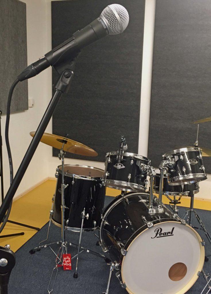 Foto Musikübungsraum mit Schlagzeug
